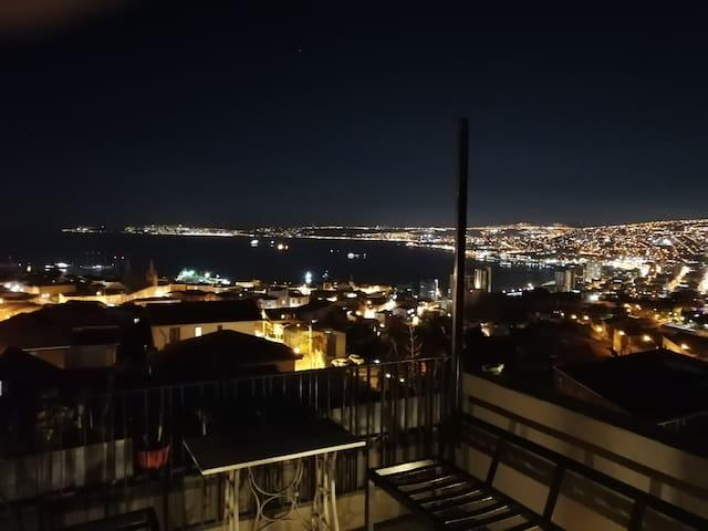 Vista nocturna desde la terraza