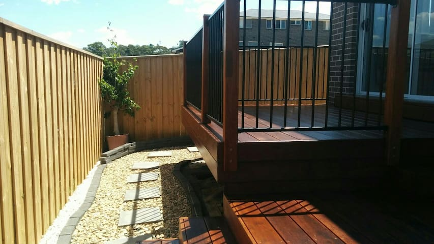 Entire2bedroom separated GranyFlat newhouse Sydney - Campbelltown, New South Wales, AU - Casa