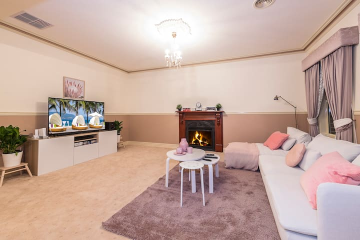 Beautiful Home ✔Two Cozy Rooms Perfect for Family