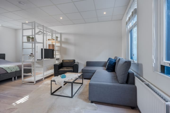 Privet Apartment near station and centre Alkmaar