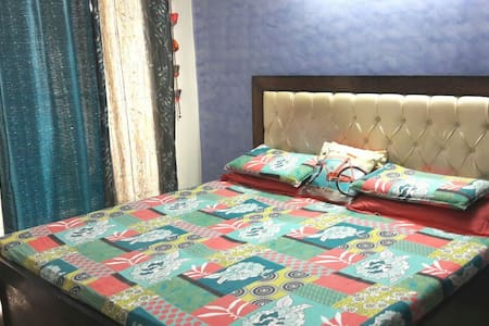 Fully furnished 2BHK apartment - Ghaziabad