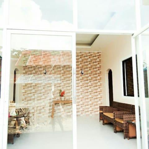 C1 COZY ROOM w/ Wifi J and J Residence