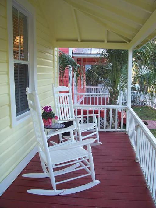 Front porch to while away your time.