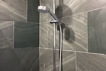 Bathroom tiled with Lakeland Slate