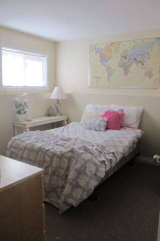 Sunny Room w/small fireplace  (1 of 3 rooms) - Lethbridge - House