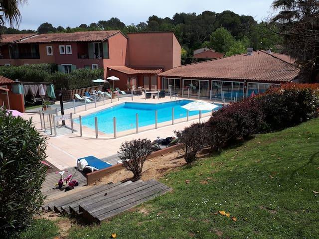studio vacances piscine
