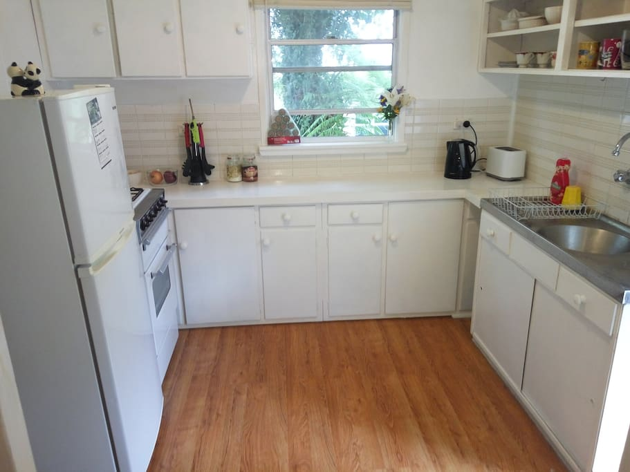 Full equipped kitchen +Microwave, Oven, Grill and Panini Maker. Oils, spices, herps incl.