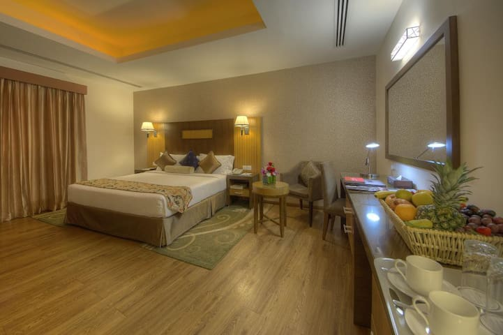 Clean & Fresh | PVT Room |Free Breakfast Every Day