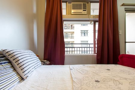 Cozy Manhattan condo furnished wifi - QC - Appartement en résidence
