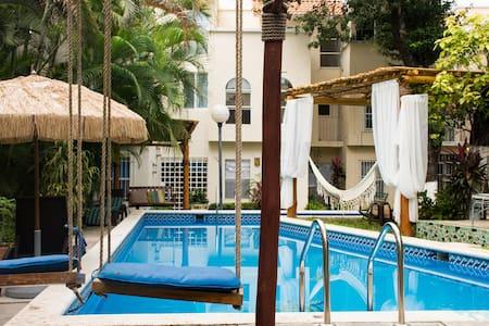 Habitación privada en la mejor ubicación, alberca. - Cancún - Casa