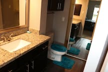 1 bdrm Luxury Pad. 5 mins from Galleria. Real pics