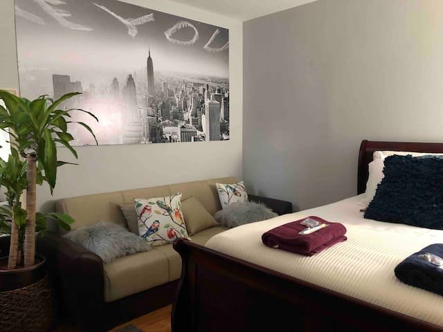 (7) 10 minutes to NYC New Cozy Private Room