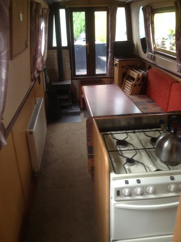 60ft Narrowboat on The Kennet & Avon near Reading - Burghfield - Boat