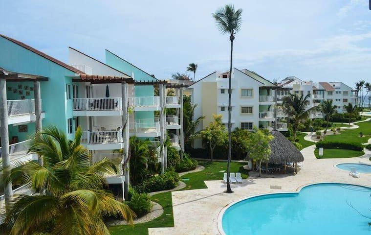 Penthouse Loft in Gated Beach-Front Community - Punta Cana - Apartamento