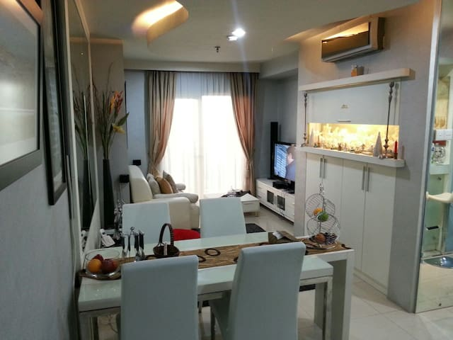 Cool comfy apartment jakarta residence