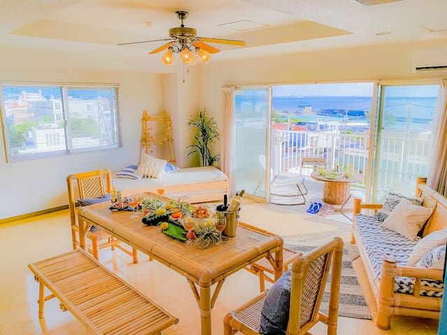 海を眺めながらBBQしませんか?広さ100㎡☆水平線に沈む夕日を楽しめるお部屋です♡
