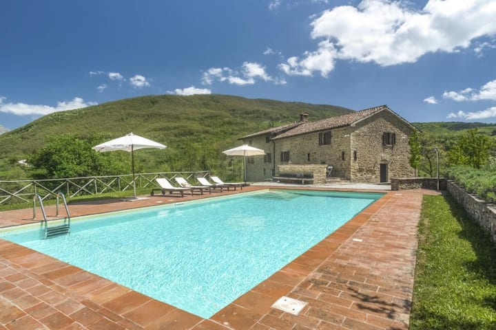 Modern 17-century stone house with pool & views
