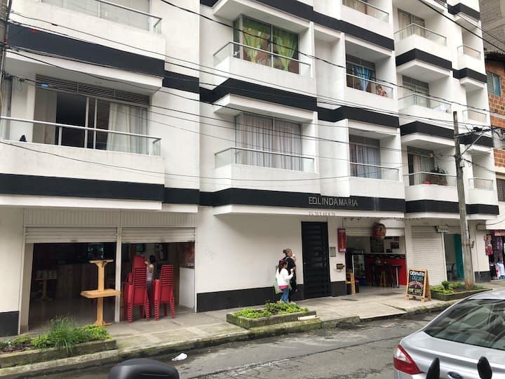 Apartamento amoblado, acogedor, ambiente familiar.