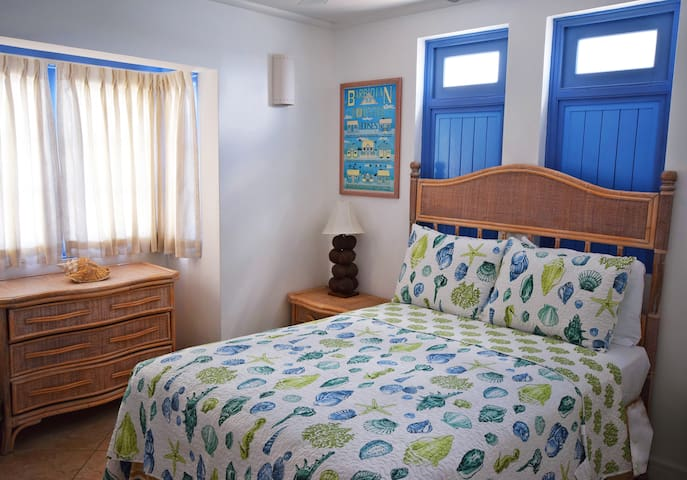 South Ocean 601 - The second bedroom with a double bed