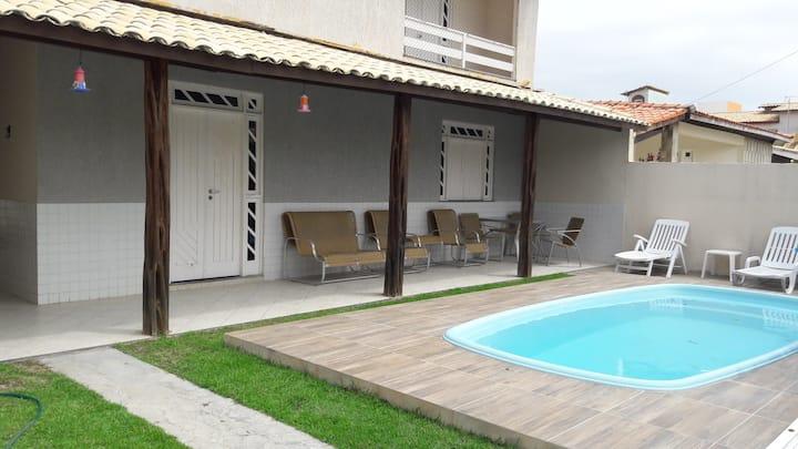 Casa Cond. Fechado na praia - 4 Quatros (2 Suites)