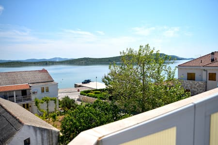 Demi- One Bedroom with Balcony and Sea View - Betina