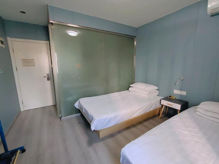 香307双床有窗空调独立卫浴洪家楼西路,山东大学,花洪路,实验小学淘宝街