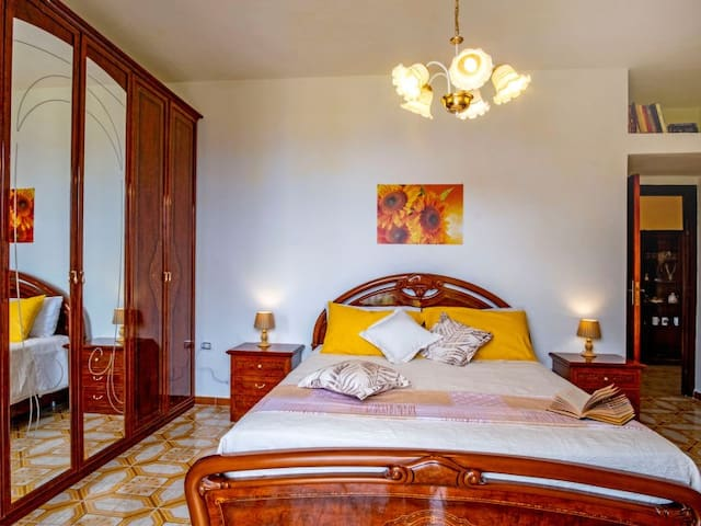 Double room - access to the balcony with sea view on Capri
