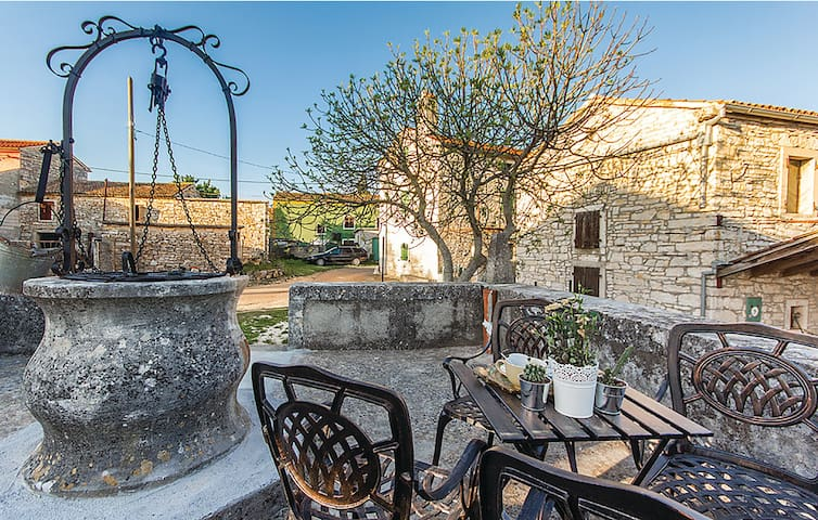 Villa Vareski - Charming stone villa with privacy and tranquility 354 - Šegotići