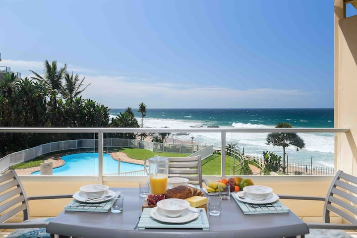 FAMILY AFFORDABLE LUXURY *ON THE BEACH *APARTMENT