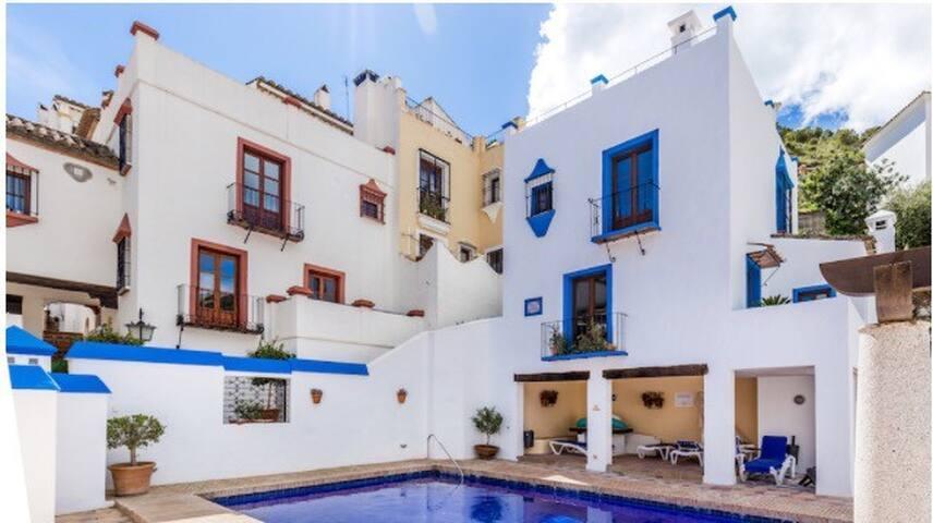 Casa Magna, La Aldea, Benahavis - Benahavís - Haus