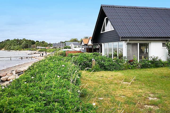 Cozy Holiday Home in Middelfart with Whirlpool