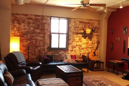 2 BR Loft in Downtown Old Market - Omaha - Loft