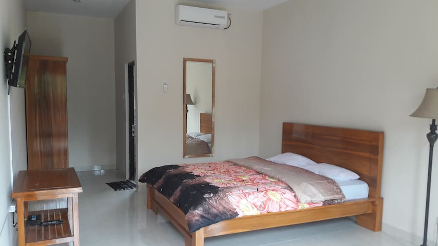 Cozy and Comfortable Studio near Cibubur Junction - Ciracas