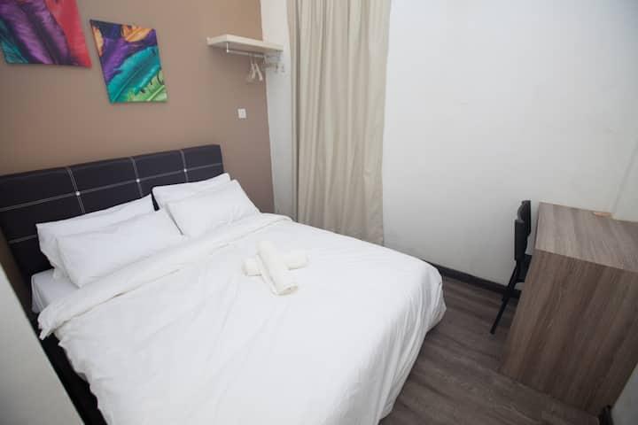 Natol Motel - London (Economy Double Room LD5)