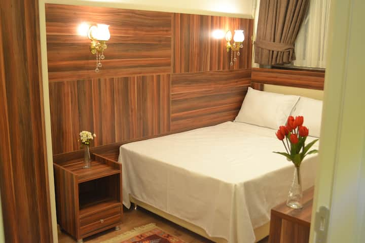 Room Eco with Private Bathroom in Fatih Center