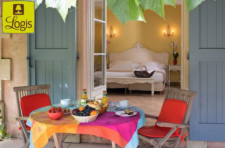 Hotel 3* à la Campagne,Camargue,Med 1 gd lit