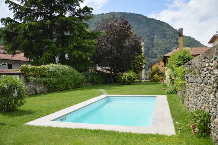 The Chalet with pool on Lago Maggiore - Pallanza - Casa de camp