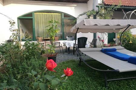 Ferienwohnung im Vierkanthof in Loipersdorf