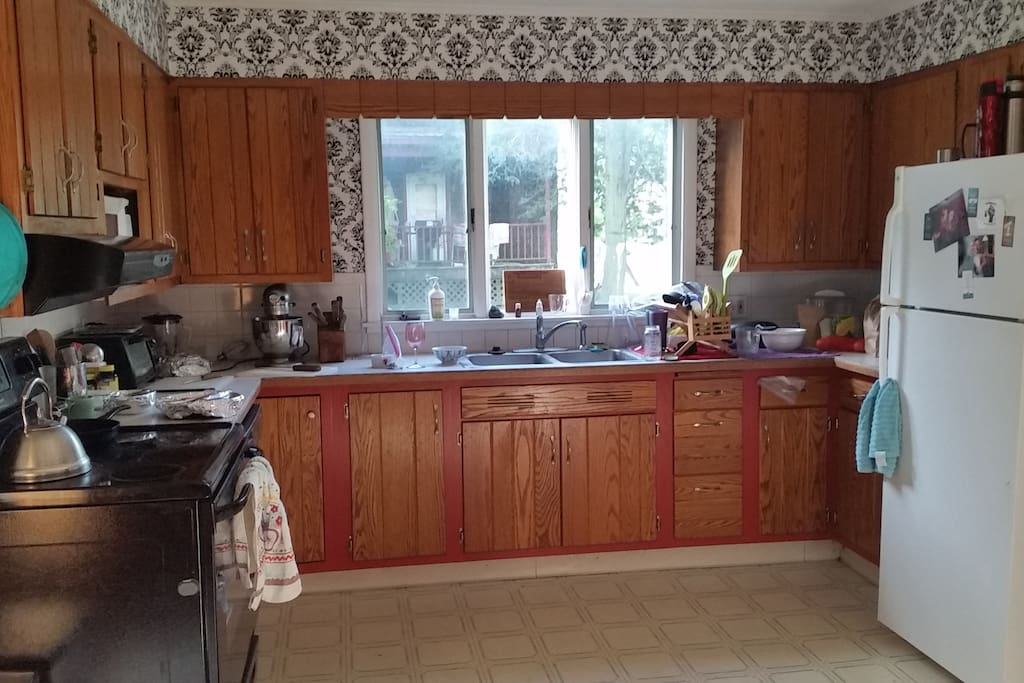 Spacious kitchen complete with every kind of tea you could possibly want, and ones you probably didn't even know you wanted.