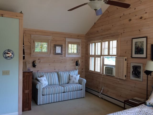 Boatbuilder's B & B South Bedroom