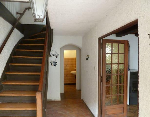 L'escalier donne accès aux chambres