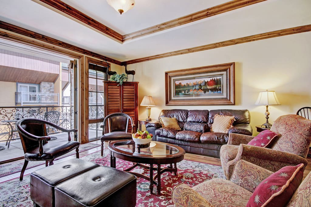 1bed 2bath residence in the heart of lionshead for Chair 4 cliffs vail