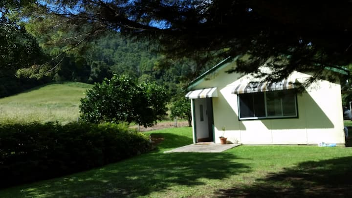 Country Cottage - Coffs Harbour