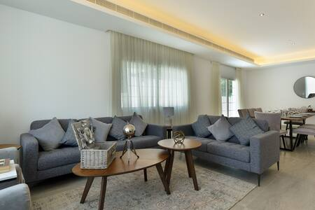 Kite Beach Luxury 4BR Villa / Private Pool