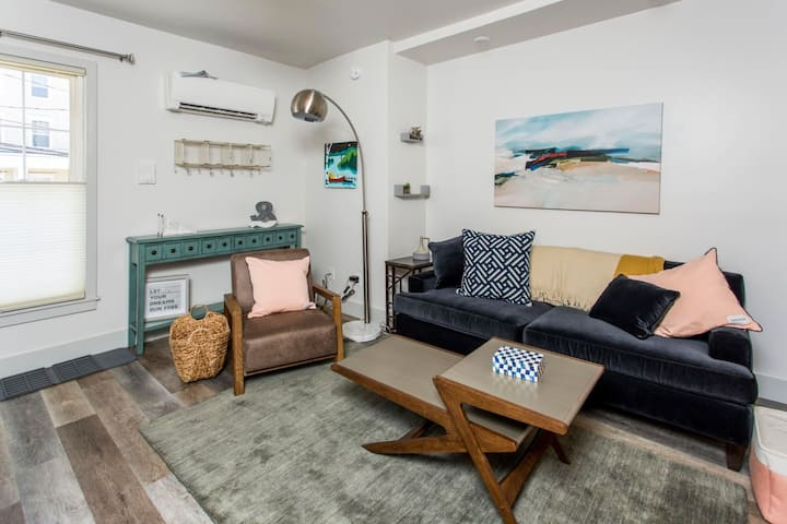 Urban Chic Furnished 1 Bedroom 1 Bath on the Top of High Street Overlooking the Port