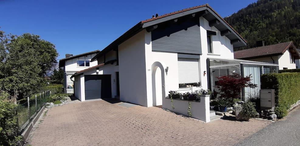 Studio in Einfamilienhaus sep.Eingang + Parkplatz.