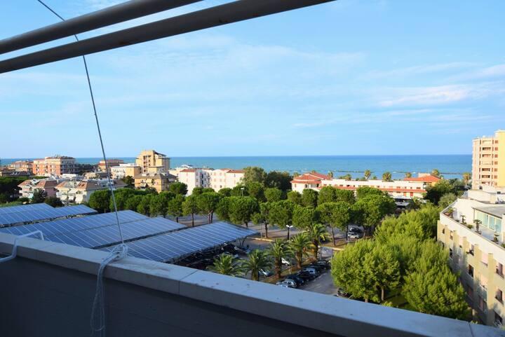 Casa di Giulia, al 7° piano davanti al mare