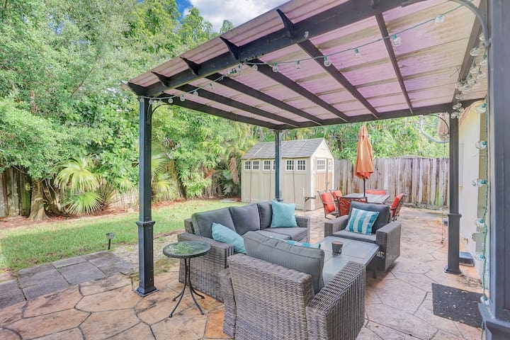 ✶ Sunset Escape ✶ Downtown FTL   Private Backyard!