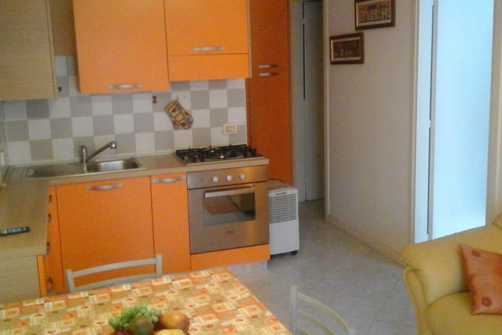 l'arancio del soggiorno cucina