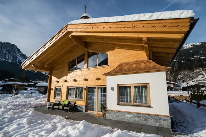 Boutique Holiday Home in Wald in Pinzgau with Garden